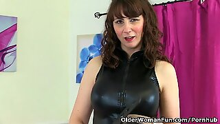 Scottish milf Toni Lace looks sumptuous in stockings with suspenders